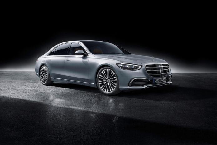 Mercedes har på gang en ny generasjon av S-klasse. (Fotos: Mercedes)