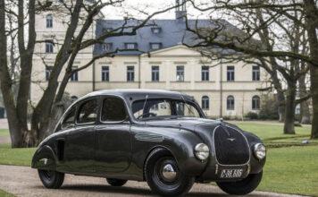 Denne ganske så aerodynamiske bilen er faktisk 85 år gammel. (Fotos: Skoda)