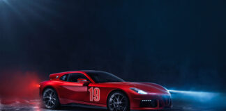 Touring har komme med sin visjon om en Ferrari F12, en bil med haifinne kalt Aero 3. (Fotos: Touring Superleggera)