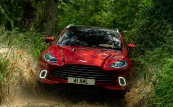 Aston Martin får nå tilgang på Mercedes-teknologi, og snart dukker det kanskje opp en elektrifisert versjon av SUV-modellen DBX? (Fotos: Aston Martin)