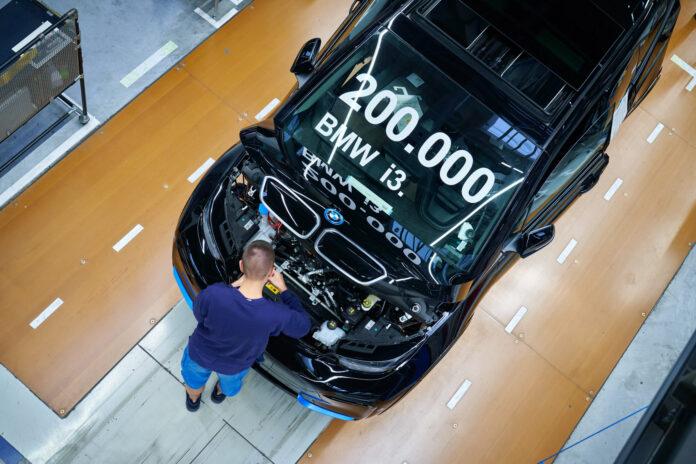 BMW har nå produsert mer enn 200.000 eksemplarer av elbilen i3. (Fotos: BMW)