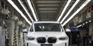 Produksjonen av BMW iX3 er i gang. (Fotos: BMW)