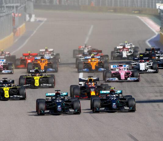 Mercedes og Lewis Hamilton styrer mot nok et VM-gull, og søndag kan alle nordmenn se om de tar nok et steg mot et nytt mesterskap. (Fotos: Mercedes)