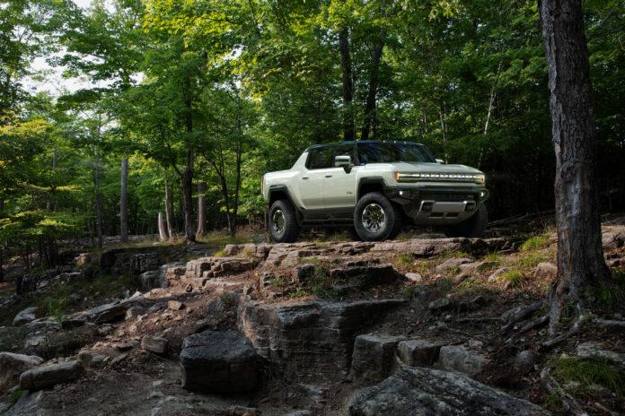 GM har endelig vist fram den ferdige Hummer EV, en elektrisk versting. (Fotos: GM)