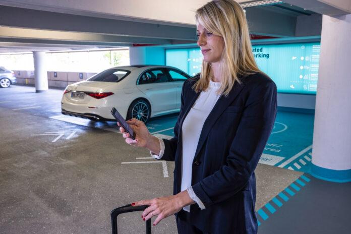 Mercedes og Bosch skal teste ut helautomatisk parkering på et kommersielt nivå i Stuttgart. (Fotos: Mercedes)