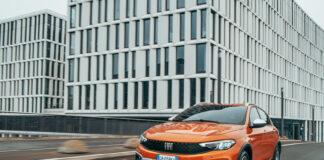 Fiat har oppdatert Tipo, og har en stor overraskelse på lur ‒ en crossover-versjon. (Fotos: Fiat)