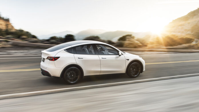 Det er mye trøbbel med Tesla Model Y, og elbilen anbefales ikke av Consumer Report. (Fotos: Tesla)