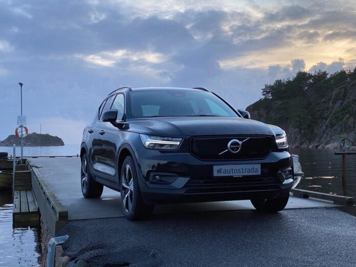 Mange venter spent på elbilversjonen av Volvo XC40, og vi har testet den. (Fotos: Nybiltester)