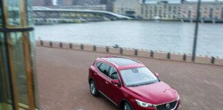 MG har nylig vist fram ladehybriden EHS Plug-in Hybrid, og nå utvider de også garantien. (Fotos: MG)