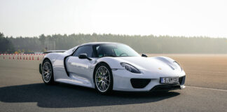 Verdes raskeste serieproduserte bil er Porsche 918 Spyder. (Fotos: Porsche)