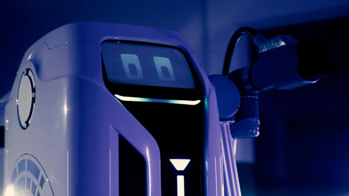 Snart kommer roboten som kan lade opp elbilen din. (Fotos: Volkswagen)