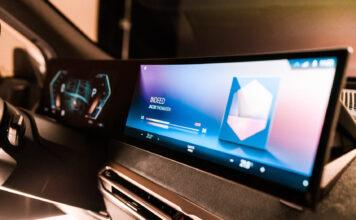 Elbilen BMW iX vil introdusere et nytt iDrive-system, 20 år etter at 7-serie skapte en aldri så liten revolusjon. (Fotos: BMW)