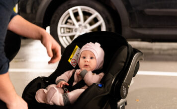 NAF har testet ni barnestoler for babyer, og en ny type utmerket seg. (Foto: NAF)