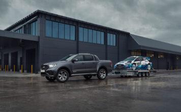 Ford har laget seg en ny spesialversjon av Ranger, og denne gang har de blitt inspirert av rallyutgaven av Fiesta. (Fotos: Ford)