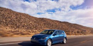 Volkswagen dropper nå standardversjonen av Golf i USA. (Fotos: VW)