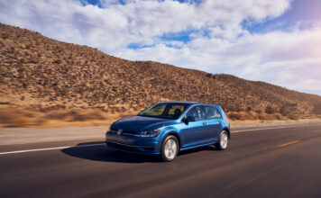 Volkswagen dropper nå standardversjonen av Golf i USA. (Fotos: VW)