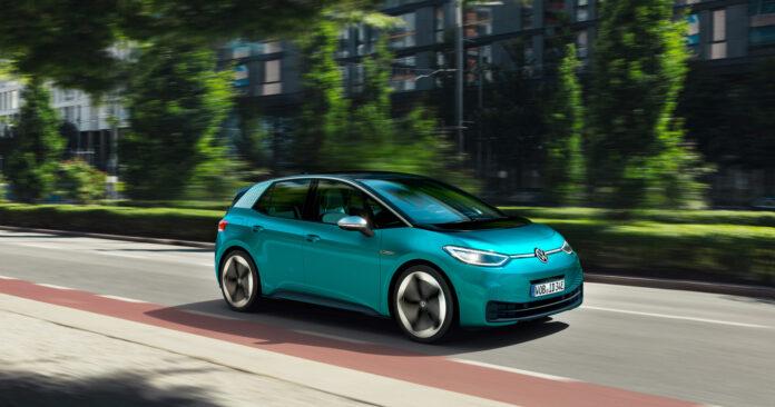 Volkswagen introduserer nå en ny innstegsmodell for ID.3 i det norske markedet, og nå kryper prisen ned mot 300.000 kroner. (Fotos: Volkswagen)