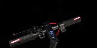 Ducati har like godt koblet sparkesykkelen til nett via en app, noe som gir eierne tilgang til en virtuell garasje. (Fotos: Ducati)