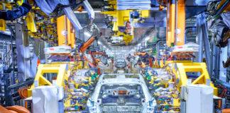 Samlebåndet for Audi Q4 e-tron er nå i gang, og modellen er i rute for sommerens markedslansering. (Fotos: Audi)