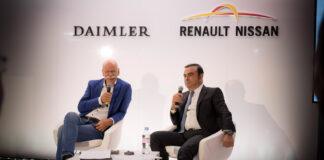 De glade dagene. Dieter Zetsche hos Daimler og den nå ettersøkte og tidligere Renault-lederen Carlos Ghosn holder felles pressekonferanse i 2016. (Foto: Daimler)