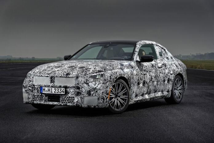 BMW har snart klar en ny 2-serie Coupé, og lover enda mer kjøreglede. (Fotos: BMW)