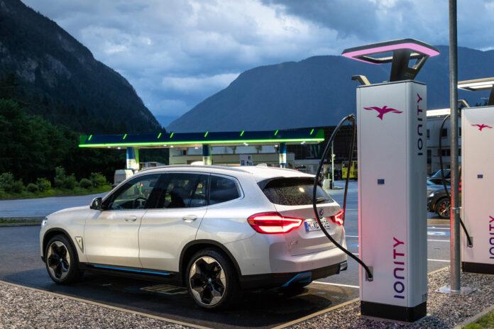 BMW var best av bilmerkene på årets Norsk Kundebarometer i regi av BI. (Fotos: BMW)