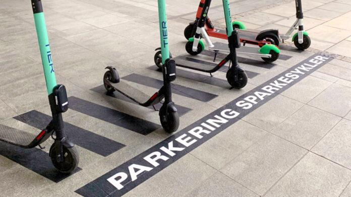 Det strammes nå inn rundt bruken og regelverkene rundt de elektriske sparkesyklene i de store byene. (Foto: Kjell Brataas, Samferdselsdep.)