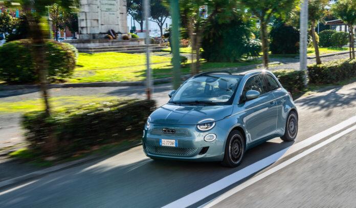 Fiat har kommet med sin første rene elbilutgave, nemlig den nye 500. Og nå skal det satses elektrisk også fra merket som ble grunnlagt i 1899. (Fotos: Fiat)