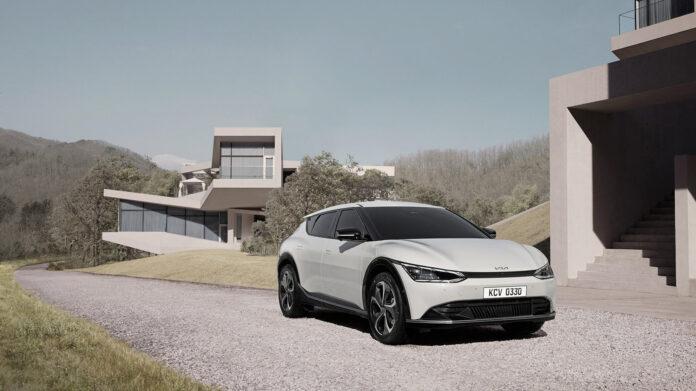 Kia Norge sier at de første kundeleveringene av EV6 skal starte mot slutten av året. (Fotos: Kia)