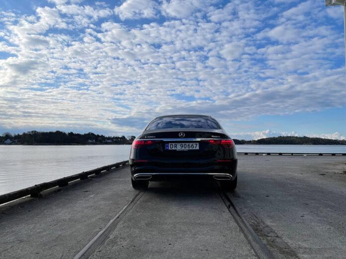 På jakt etter den ultimate luksusbilen? Nye Mercedes S-klasse kan være løsningen, for her er det topp luksus. (Fotos: Nybiltester)