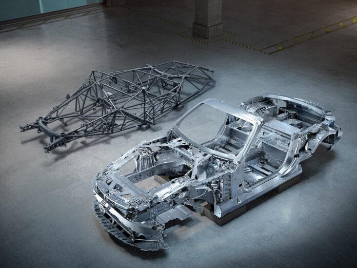 Mercedes-AMG har bygd opp kommende SL helt fra bunnen av, og det som er under skallet er selvsagt svært viktig. (Fotos: Mercedes)