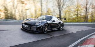 Porsche har satt ny verdensrekord for lovlige gatebiler, for en 911 GT2 RS kjørte runden rundt Nordschleife rekordraskt. (Fotos: Porsche)