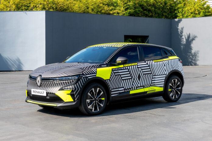 Renaults første elbil i C-segmentet nærmer seg nå produksjon, og i sommer skal det franske merket teste ut 30 biler av MéganE. (Fotos: Renault)