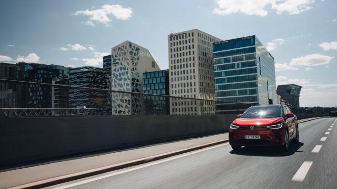 Volkswagen har sendt de første eksemplarene av ID.4 GTX til Norge, og de første kundene kan forvente seg nøklene i løpet av sommeren. (Fotos: Volkswagen)