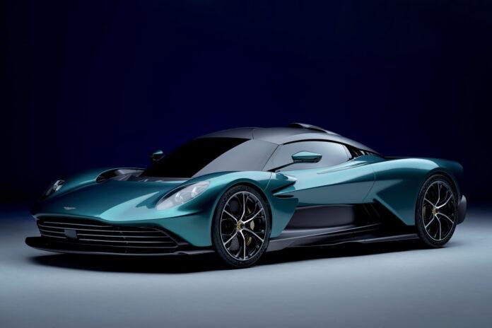 Nærmere to og et halvt år etter at Aston Martin viste fram Valhalla går den endelig inn i produksjon. (Fotos: Aston Martin)