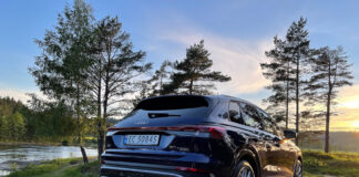 Vi har tatt Audi Q4 e-tron quattro med på en luftetur, og det betyr altså utgaven med firehjulsdrift. (Fotos: Nybiltester)