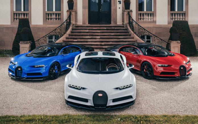 Blått, hvitt og rødt, tre Bugatti-biler lager sin egen variant av det franske flagget. (Fotos: Bugatti)