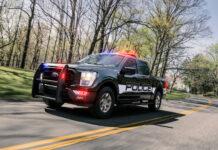 Dette er visstnok den raskeste politibilen i USA, og ja, det er en pickup. (Fotos: Ford)
