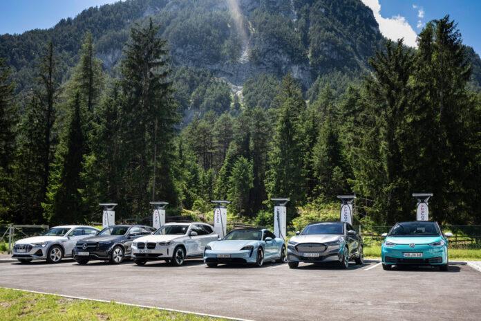 Ionity bygger lynlade-nettverk gjennom hele Europa, og bilprodusentene mener ladenettverket blir særs viktig om EU's klimamål skal nås. (Fotos: Ionity)