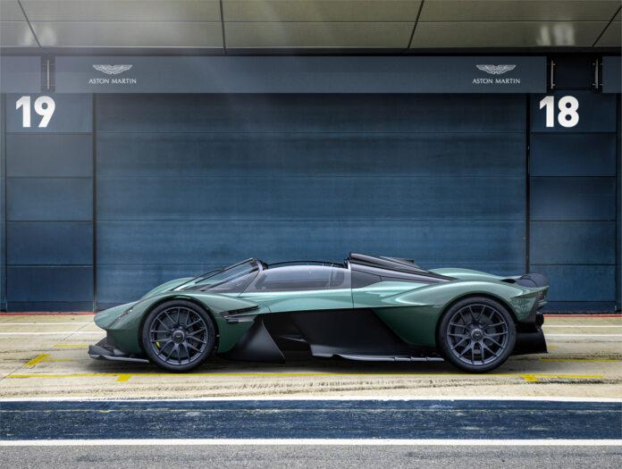 Aston Martin har like godt kappet taket av hyperbilen Valkyrie. (Fotos: Aston Martin)