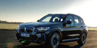 BMW oppdaterer nå den ferske elbilmodellen iX3, noe som medfører at den skal hete iX3 M Sport. (Fotos: BMW)