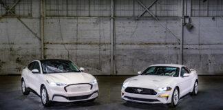 Ford USA har nå klar en historisk fargepakken til Mustang, og det inkluderer også Mustang Mach-E. (Fotos: Ford)