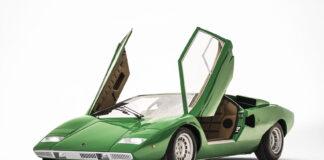 Lamborghini lover nå en ny utgave av selveste Countach, denne store plakatbilen fra 1970- og 80-tallet. (Fotos: Lamborghini)