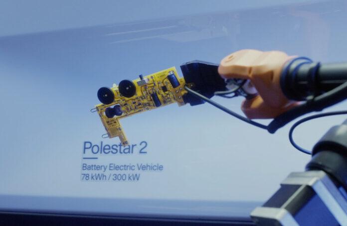 Nå kan de som kjører en Polestar 2 høre på en låt som består av lyder som bilen selv har generert. (Foto: Polestar)