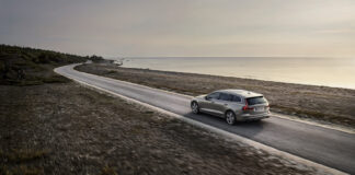 Volvos V og S60 holder fortsatt koken i Sverige, og er så langt den mest populære modellen i vårt naboland. (Foto: Volvo)