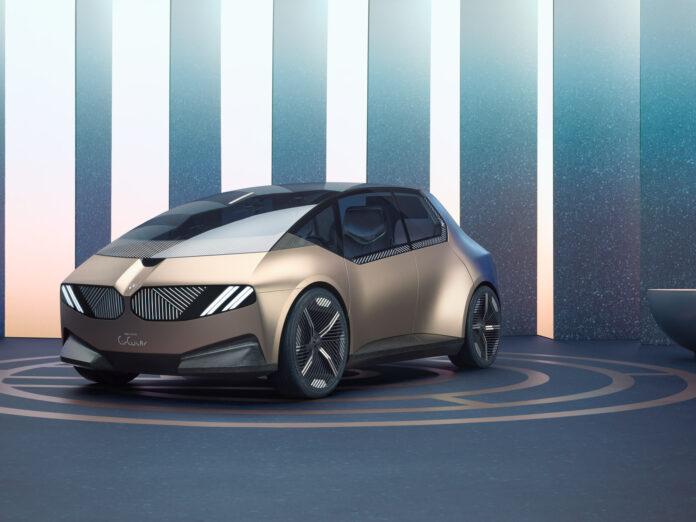 BMW viser fram et visjon av en resirkulert elbil. (Fotos: BMW)