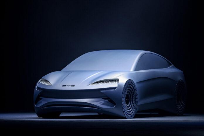 BYD viser en konseptbil som er satt sammen på en helt ny e-plattform. (Fotos: BYD)