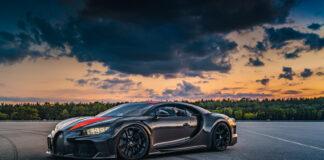 De første kundene får endelig sine nøkler til verdens raskeste bil, Bugatti Chiron Super Sport 300+. (Fotos: Bugatti)