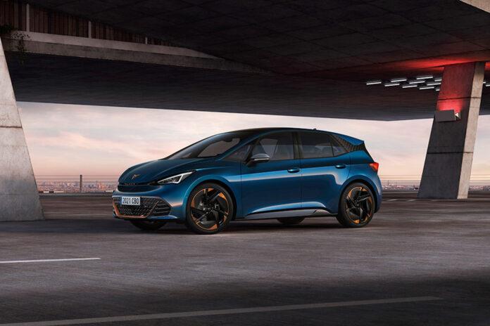 De første eksemplarene av Cupra Born er nå produsert i Volkswagens elbil-fabrikk i Zwickau. (Fotos: Cupra)