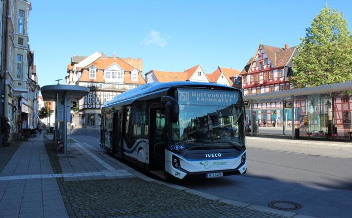 Denne elbussen klarte å rulle 543 kilometer uten å måtte lades. (Foto: Iveco)